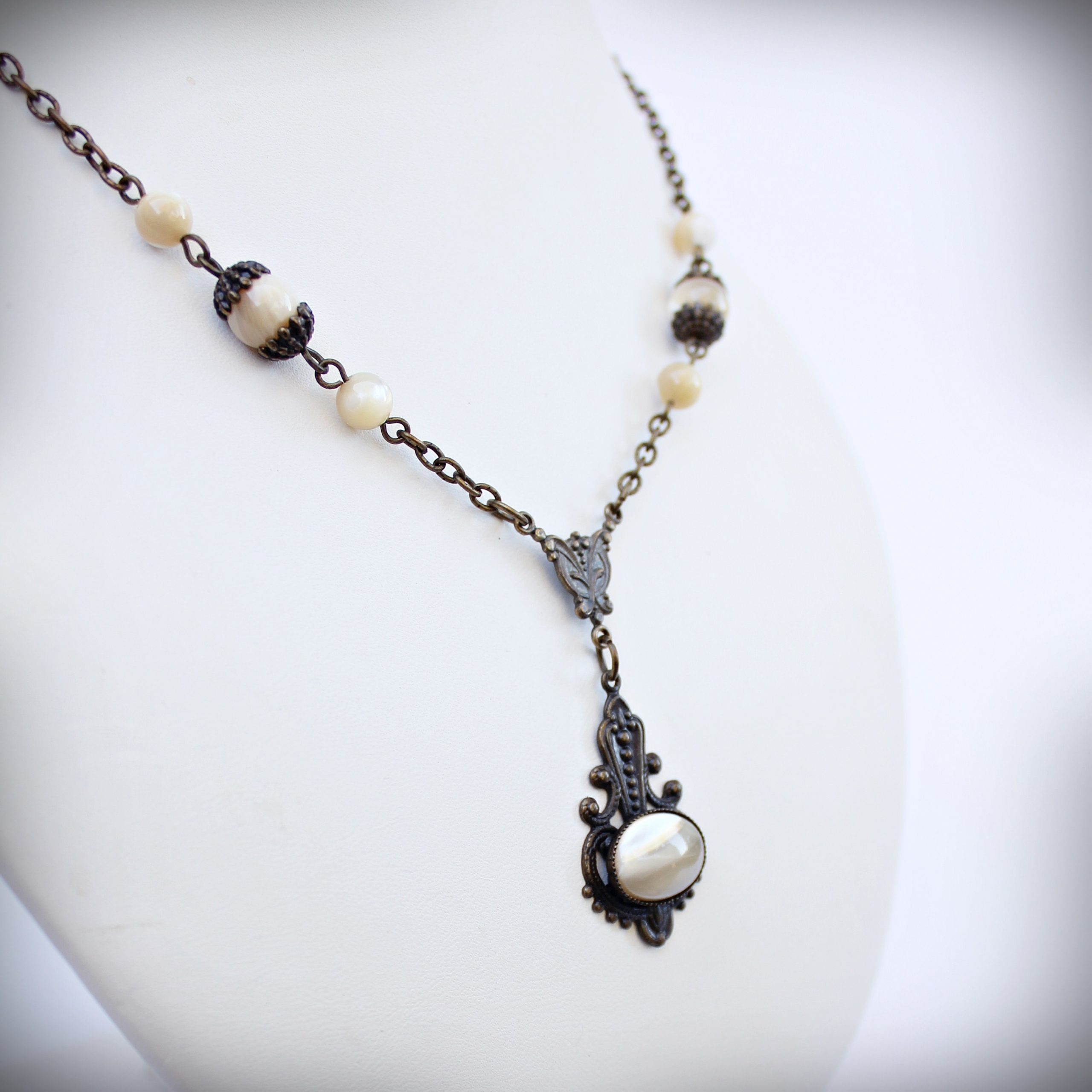 Caramel Mother of Pearl Necklace in Vintage Style