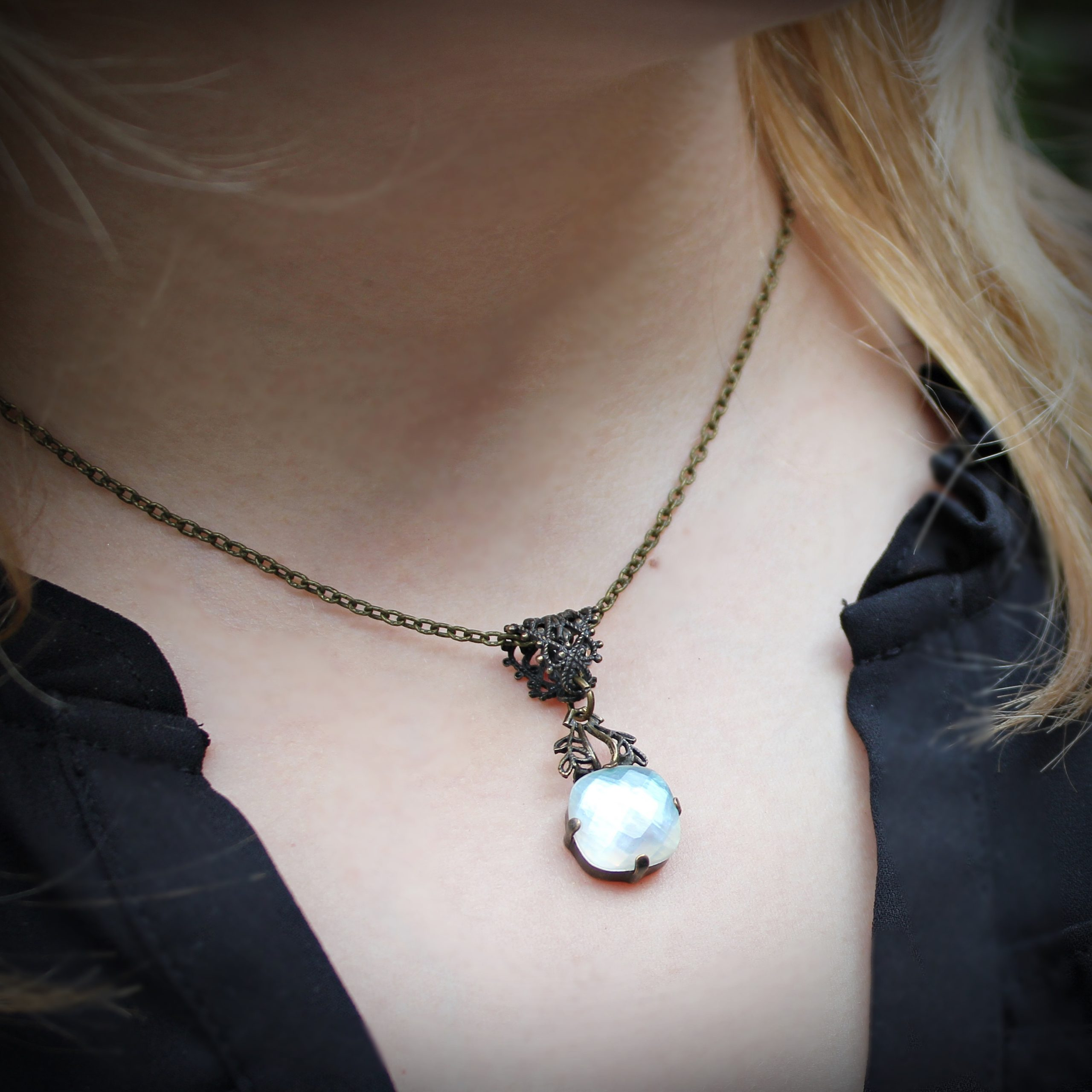 clear quartz mother of pearl necklace
