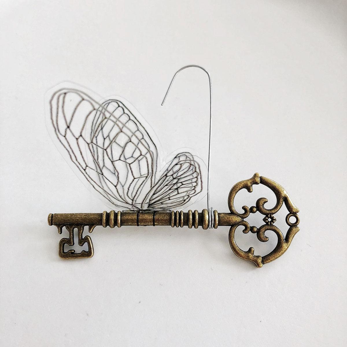 jenn-garman-artist-ornament-flying-key