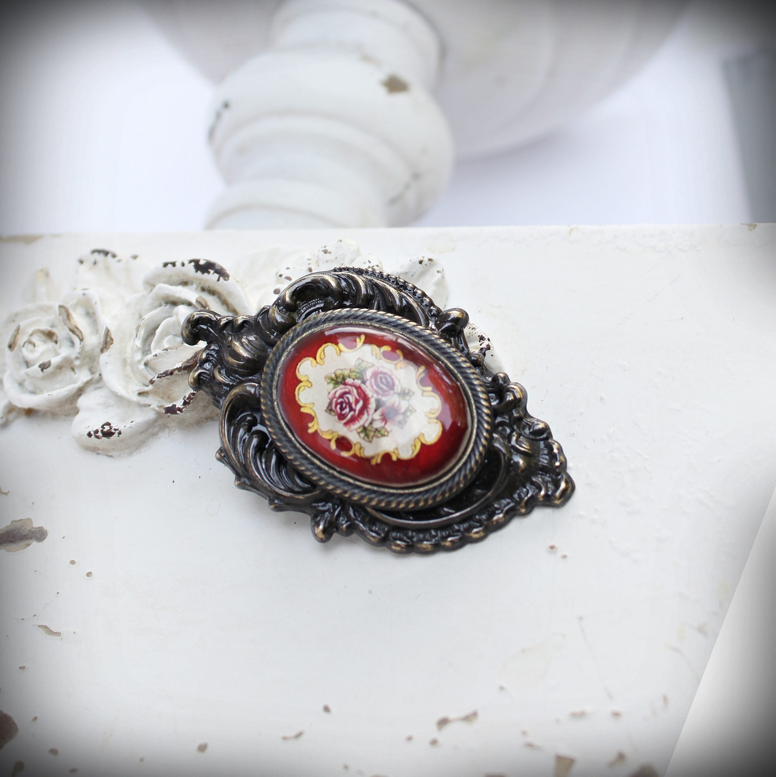 burgundy floral mother of pearl brooch pendant