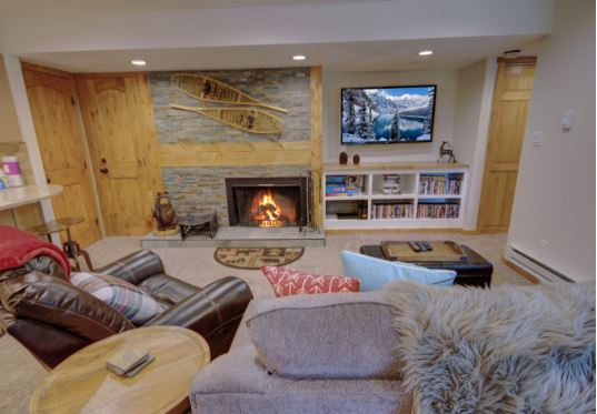 This Cozy Wild Irishman Condo is a Dream For Your Next Ski Trip in the Mountains
