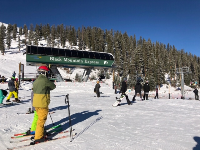 Lifts are turning at Arapahoe Basin 2018 / 2019