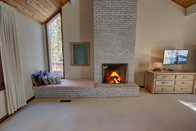 Master bedroom fireplace in suite – Keystone Vacation ...