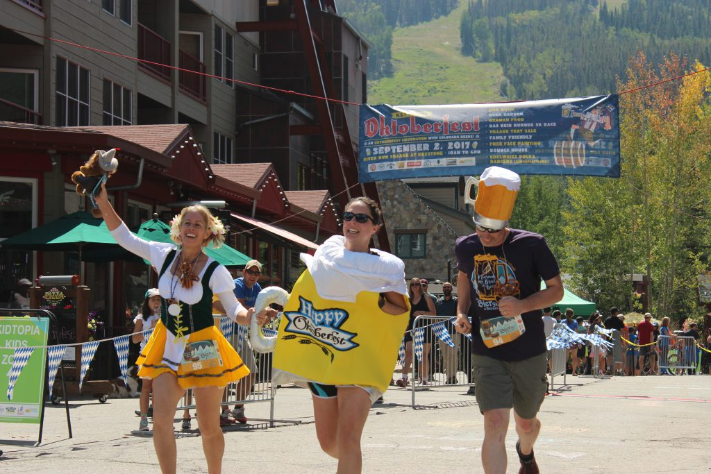 Costume contest runners at 5K Keystone Resort