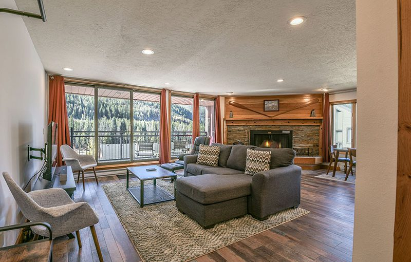 Modern Mountain Condo at Lakeside Village Keystone