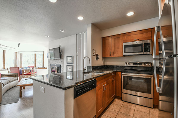 Kitchen at Lakeside Condo in Keystone Village