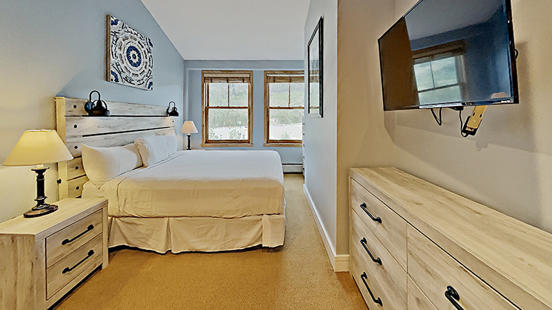 Beautiful new master suite at Silver Mill 8294 condo