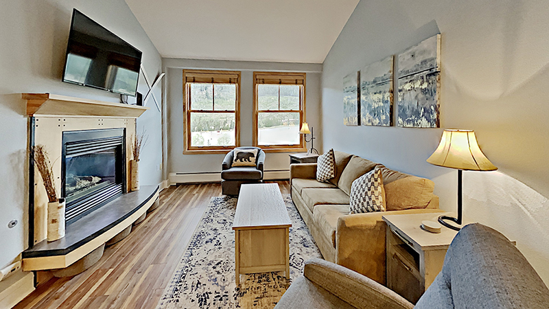 Silver Mill Vacation Condo with FIreplace