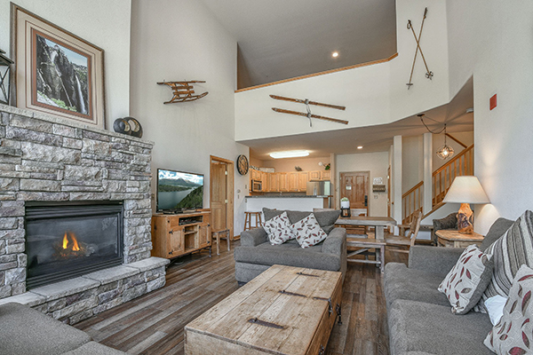 warm fireplace and mountain modern decor at ski condo gateway 6096