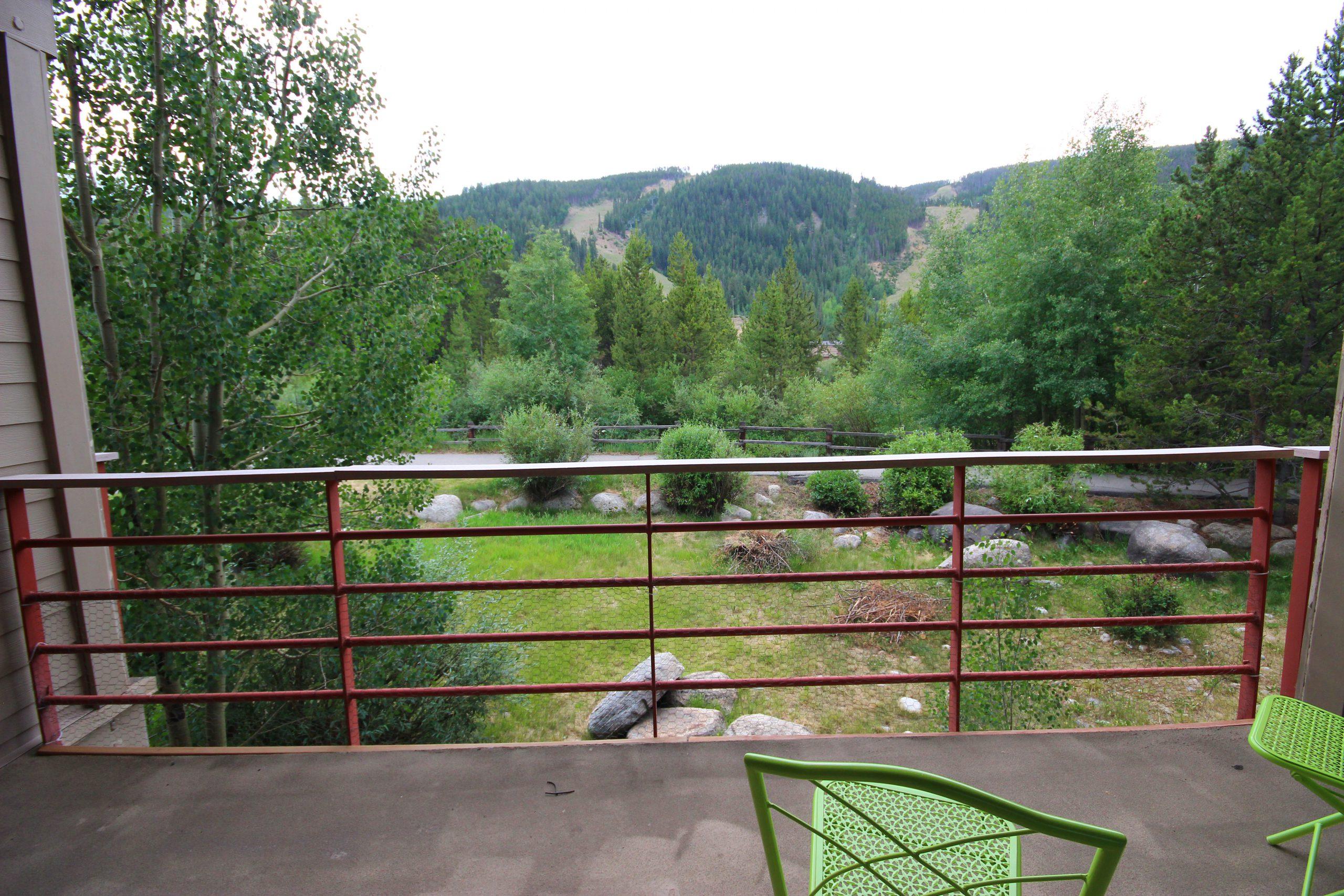 views of ski slope from ski run vacation rental condo in keystone co