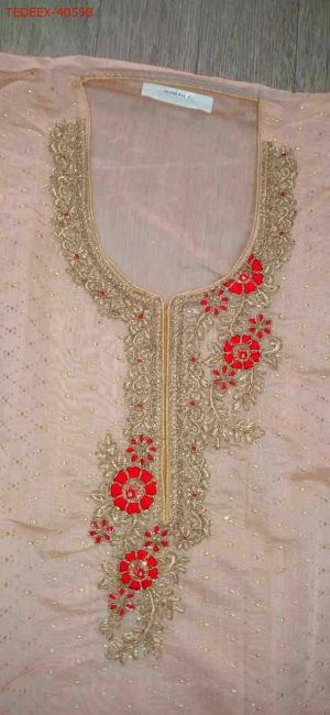 neck with lace