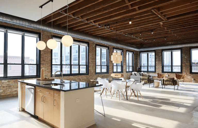 The Best Airbnb Chicago Rentals for a Chic Windy City Trip