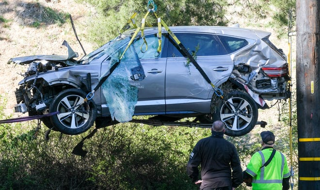 Tiger Woods car accident caused multiple open leg fractures