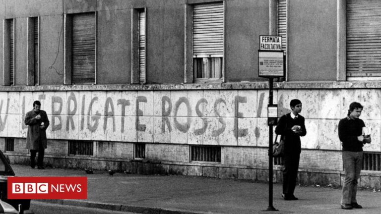 France arrests ex-members of Italy terror group Red Brigades