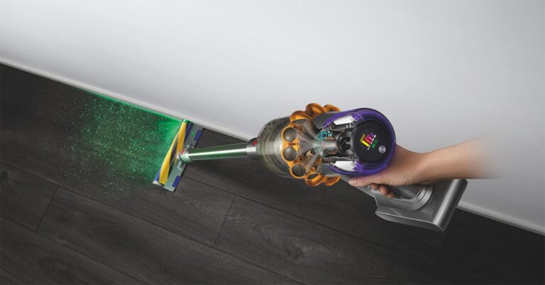 the dyson V15 detect reveals hidden particles so you can see where you need to clean