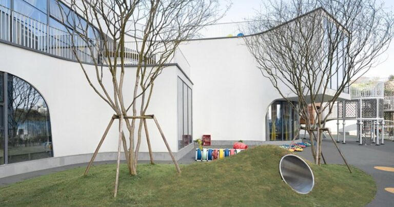 kindergarden by NAN architects blurs boundary of inside & outside in china