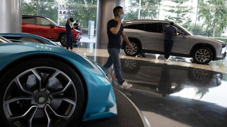 Electric Car Company Nio Shuts Down Temporarily in China Over Global Chip Shortage