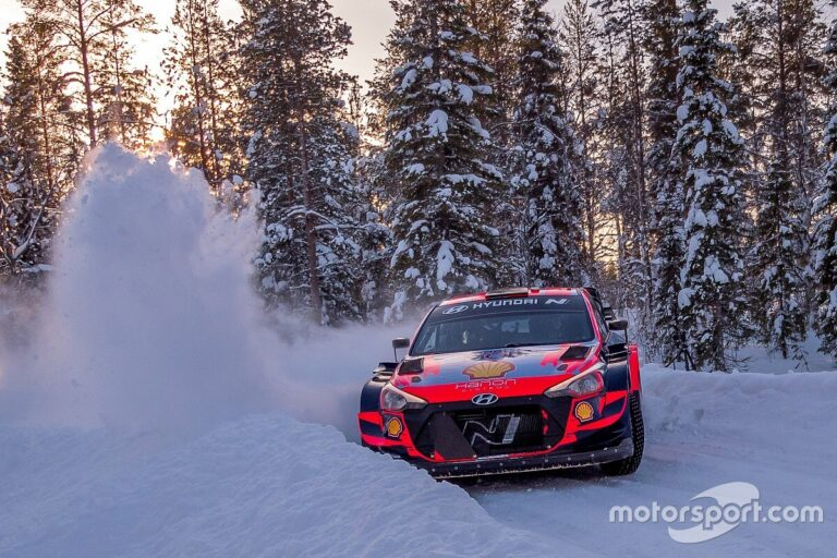 """Hyundai WRC car """"easier to drive"""" than I thought"""