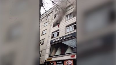 Mother drops children from window to escape Istanbul apartment fire
