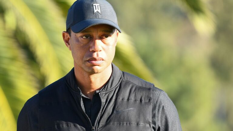 Tiger Woods' accident brings out well wishes from across the world