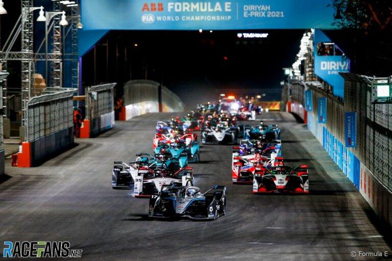 De Vries dominates for Mercedes in Formula E's first night race · RaceFans