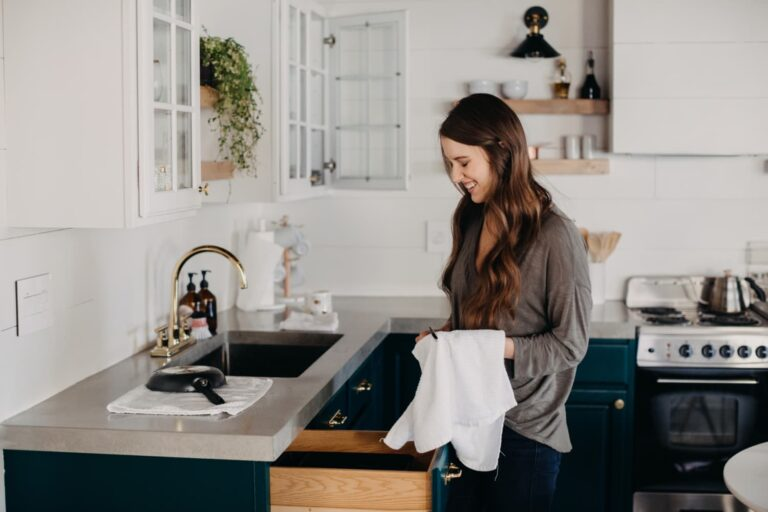 4 Inexpensive Kitchen Cabinet Upgrades Home Stagers Swear By