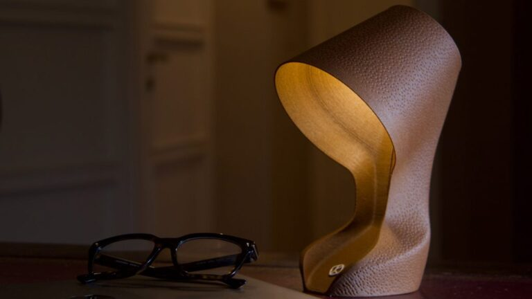 Ohmie is a 3D-printed lamp made from orange peels