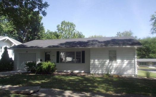 1006 Brookfield Ave, Brookfield, MO