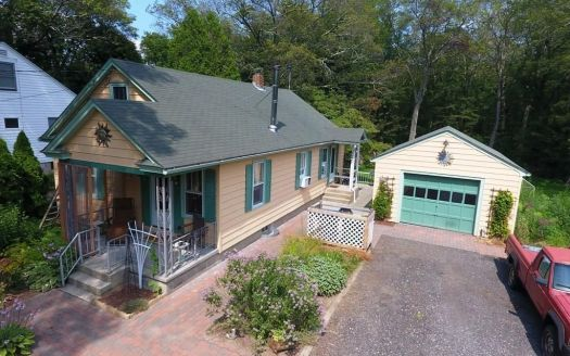 101 Old Colchester Rd, Quaker Hill, CT