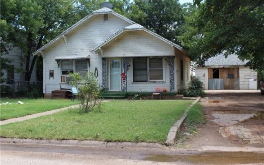 1021 N 6th St, Haskell, TX
