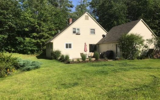 103 Johnson Hill Rd, Bradford, NH