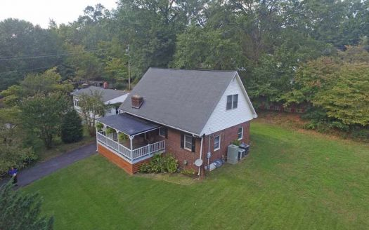 103 Pinewood Dr, Easley, SC