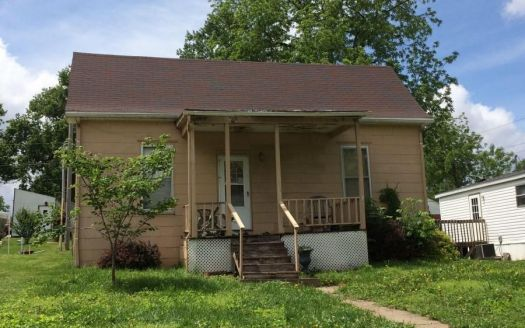106 Pearl St, New Franklin, MO