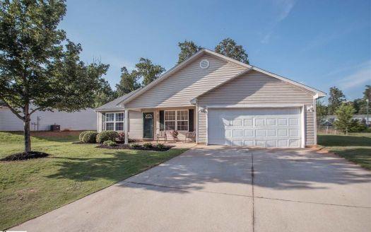 108 Pine Needle Rd, Piedmont, SC