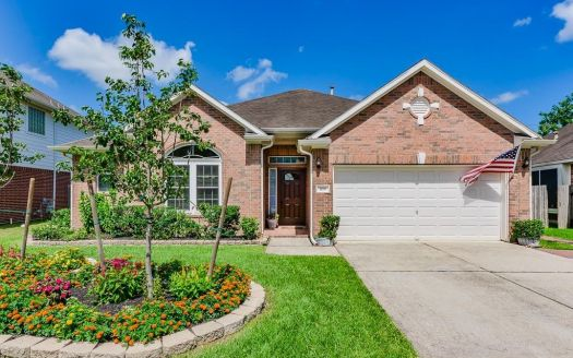 109 Ravenknoll Ct, League City, TX