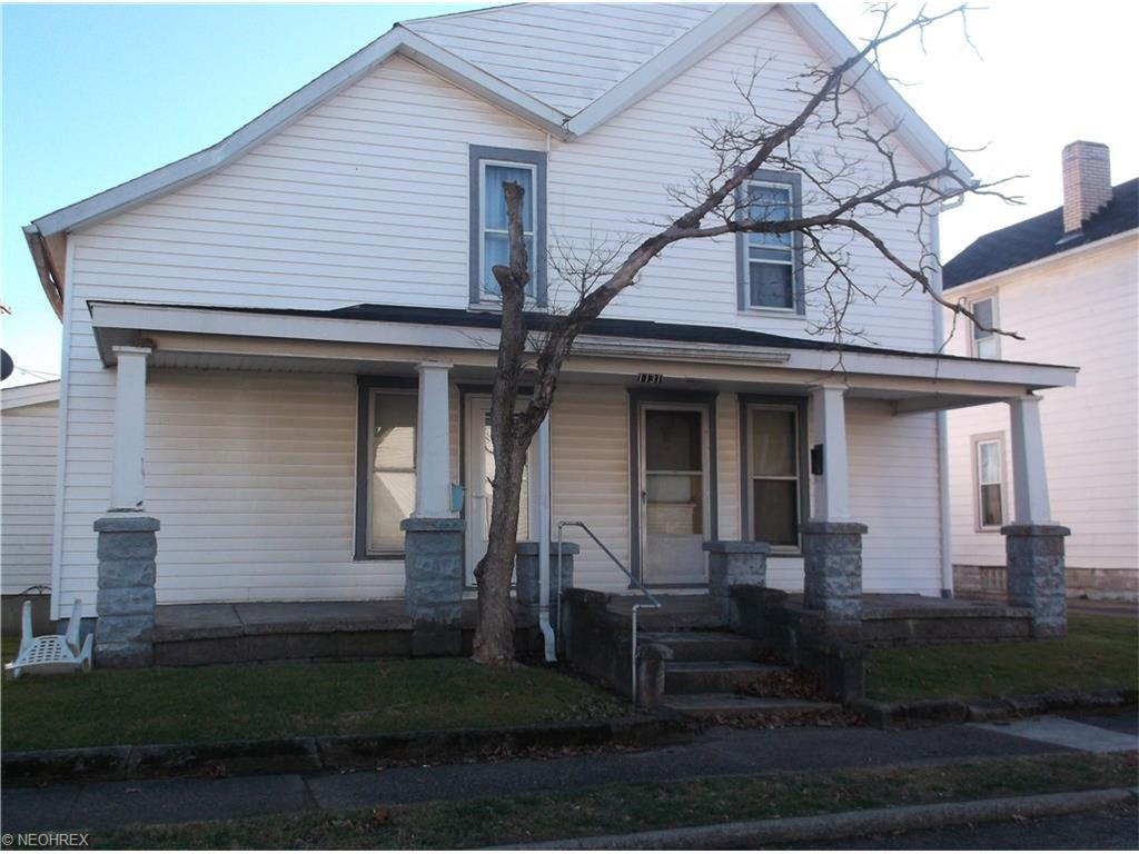 1131 Adams St, Coshocton, OH
