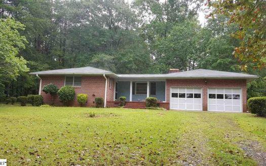114 Pinetree Ln, Easley, SC