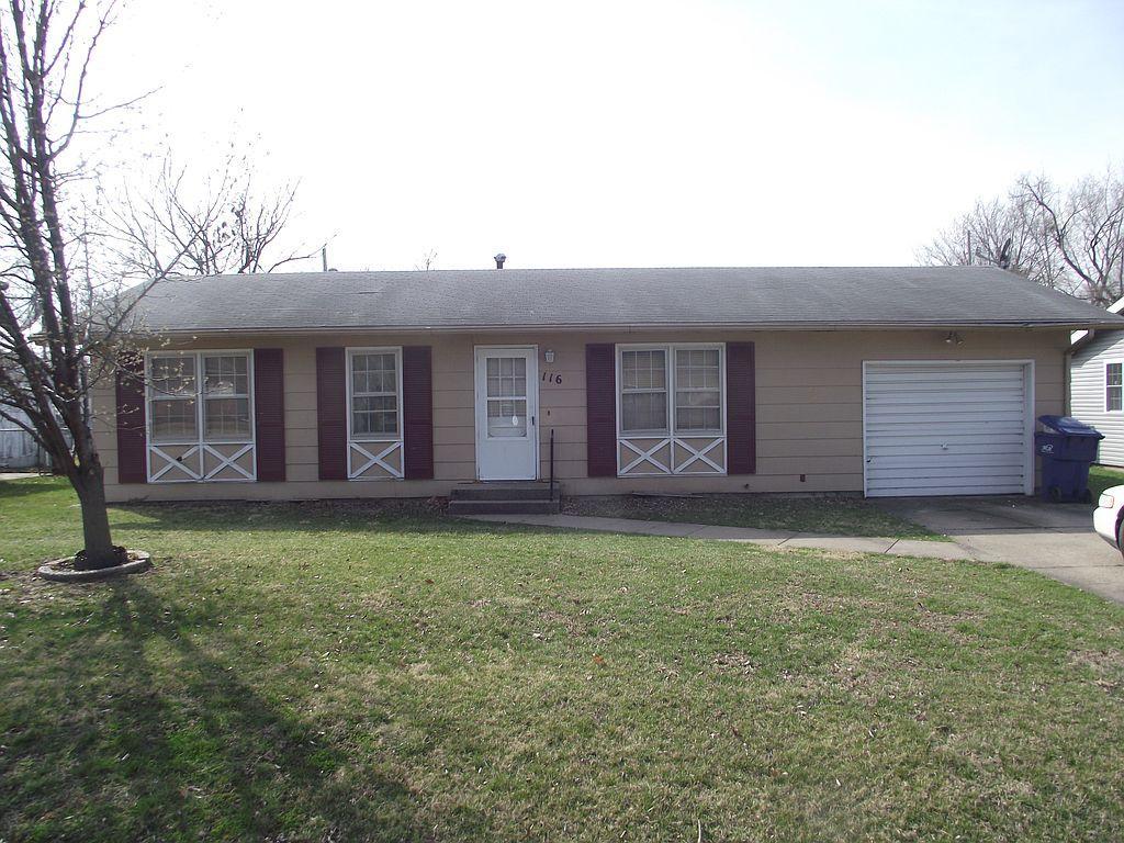 116 W Circle Dr, Brookfield, MO