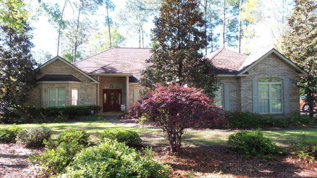 117 Fernway Dr, Atmore, AL