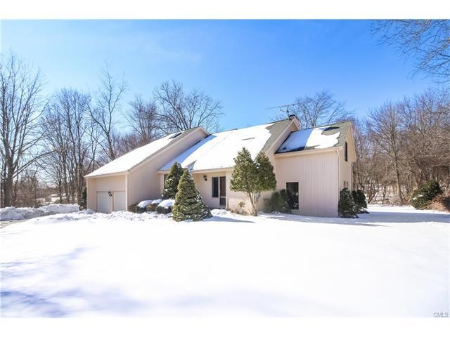 12 Red Barn Ln, Brookfield, CT
