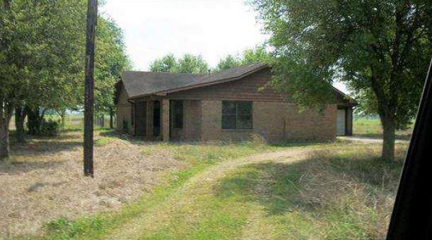 128 County Road 221, East Bernard, TX