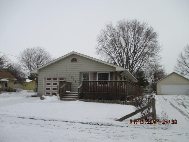 1311 S 9th St, Watertown, WI