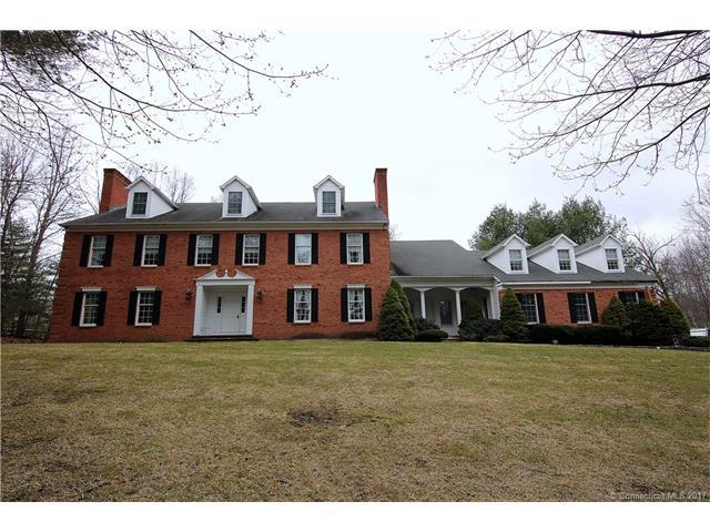 137 Falcon Crest Rd, Middlebury, CT