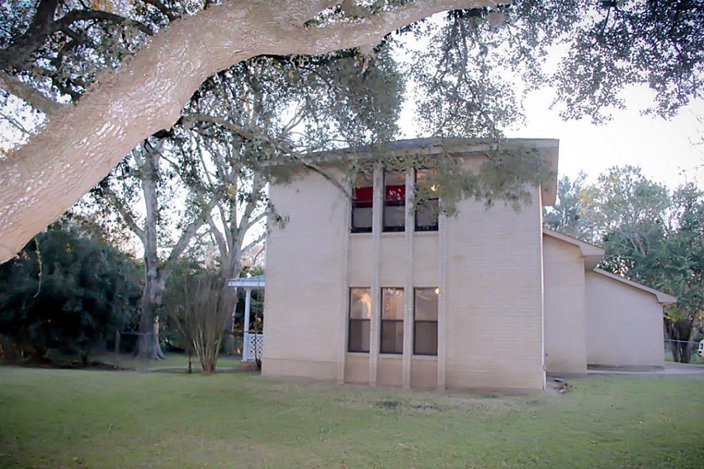 14823 Bernard Timbers Dr, East Bernard, TX