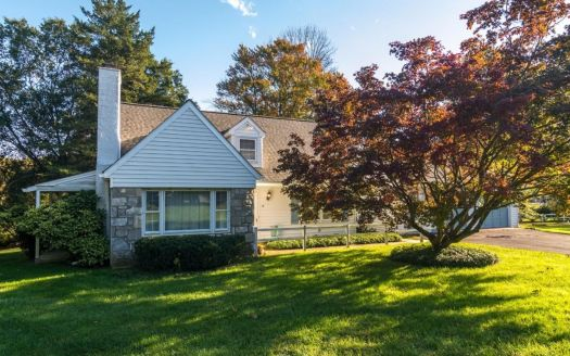 16 Manor Dr, West Chester, PA