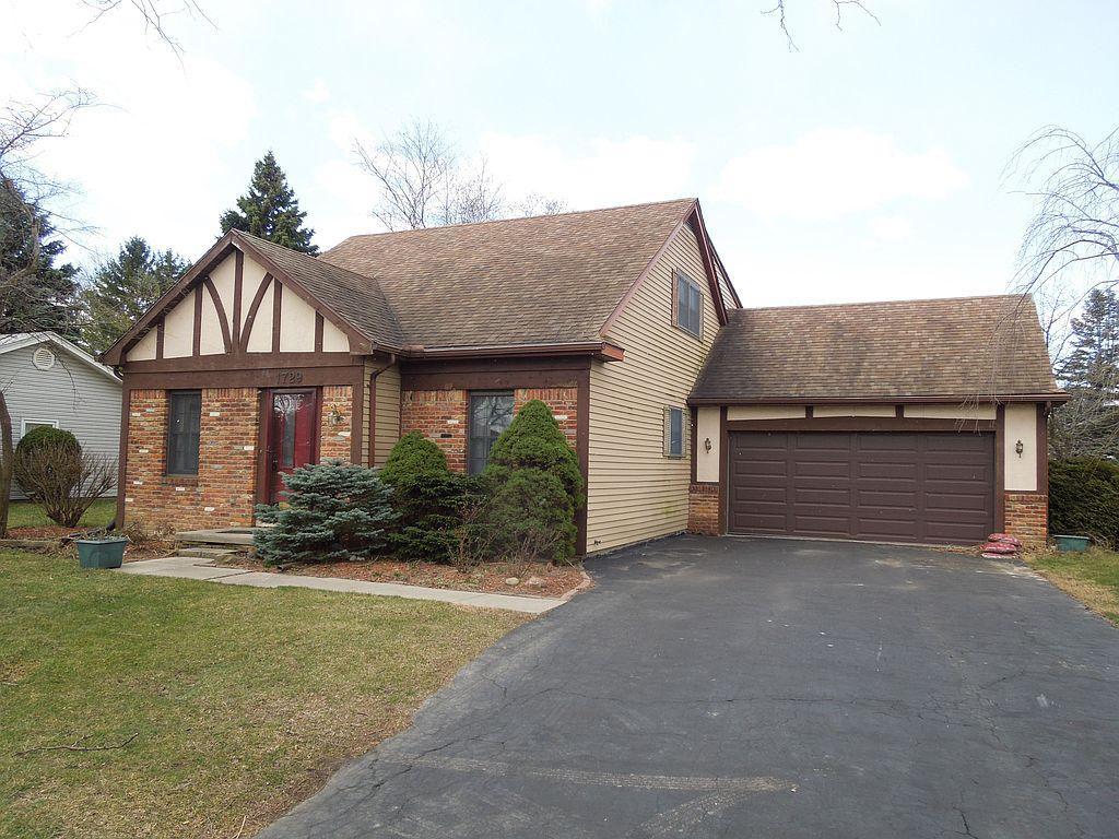 1729 Cass Rd, Maumee, OH