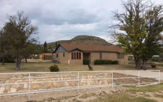 201 E Kerr St, Sanderson, TX