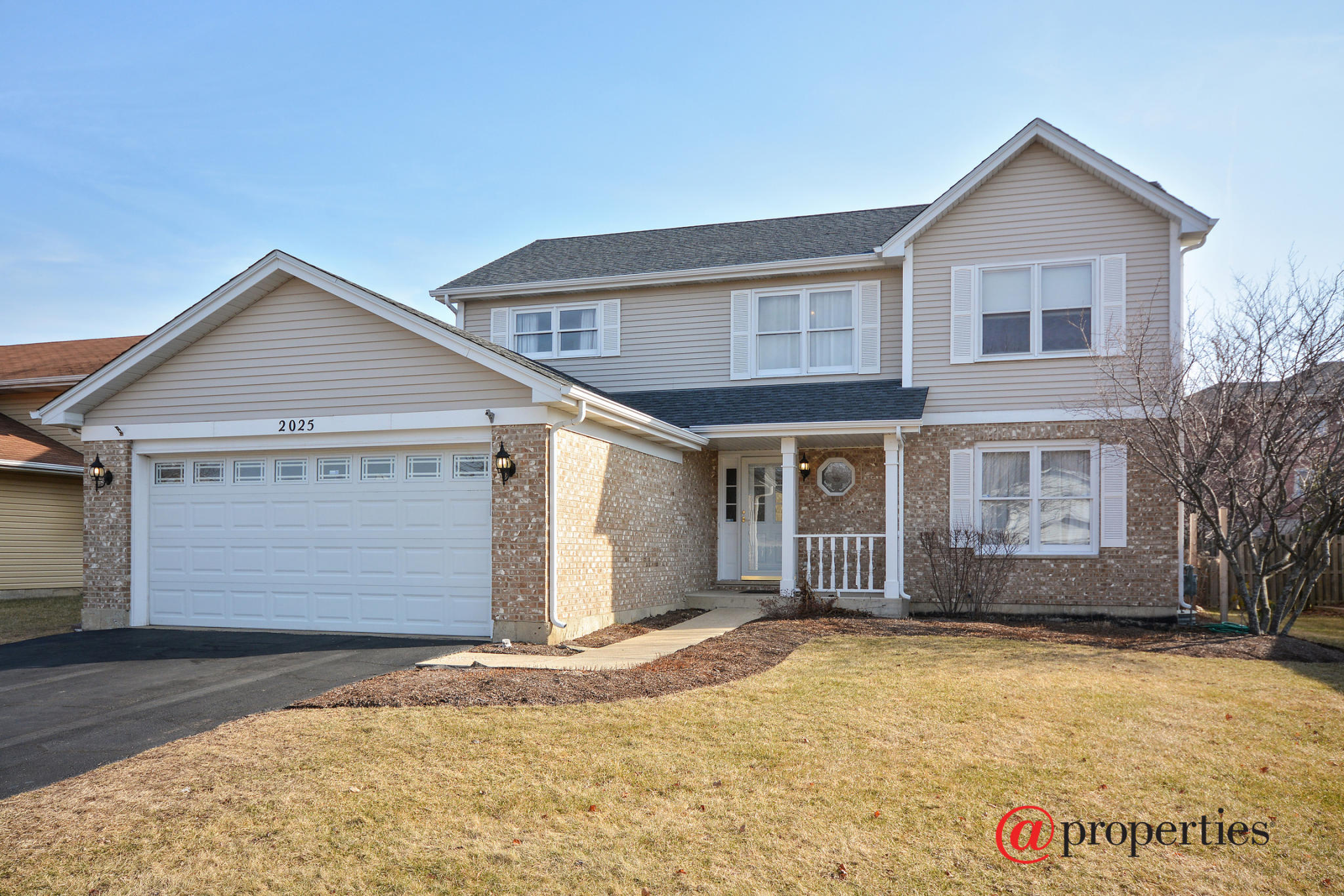 2025 Cherokee Dr, West Chicago, IL