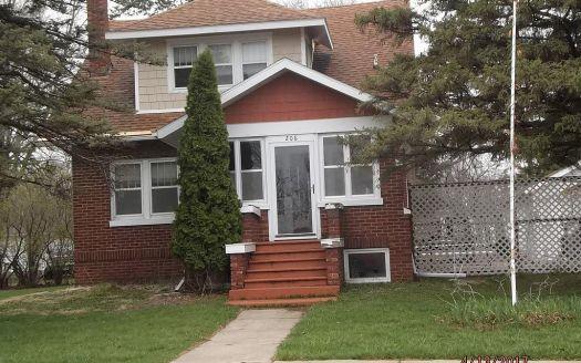 206 1st Ave SW, Dayton, IA