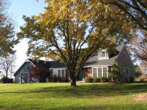 206 Percy Ln, Brookfield, MO
